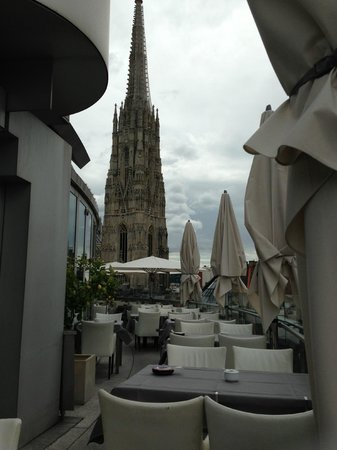 DO & CO Hotel: roof resturant