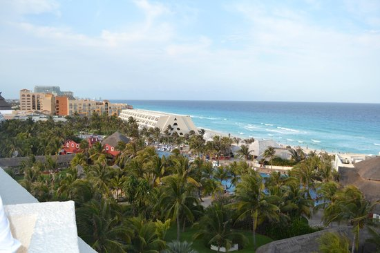 Oasis Cancun: View from the top floor