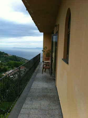 Sant'Agata sui Due Golfi, Italien: Our Balcony