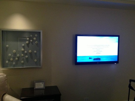 The Ritz-Carlton Laguna Niguel: tv wall mounted