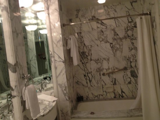 The Ritz-Carlton Laguna Niguel: bathroom