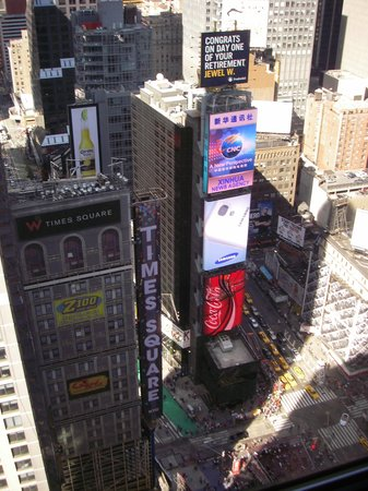 New York Marriott Marquis: View of Times Square from hotel - 37th floor