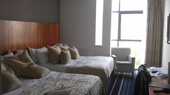 Apex International Hotel: this is our bedroom