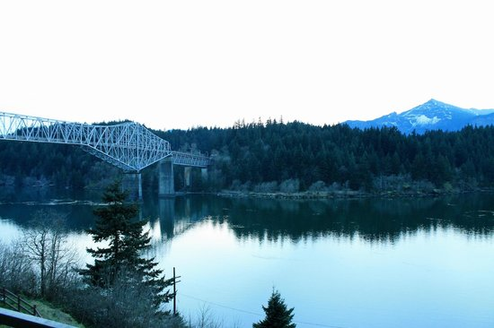 Cascade Locks, OR: Bridge of the Gods
