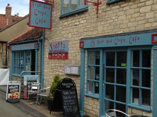 Helmsley, UK : Borogate entrance - takeaway & restaurant