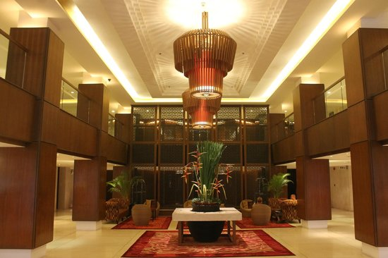 Destination Patong Hotel and Spa: Hotel Lobby