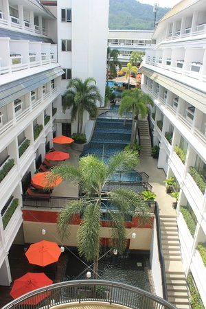 Destination Patong Hotel and Spa: Courtyard Pool