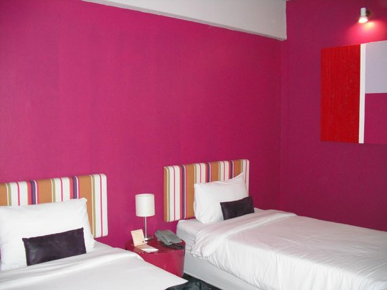 Baiyoke Boutique Hotel : beautiful pink room!