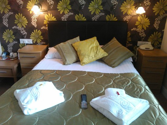 The Glenburn Hotel & Restaurant: Room 12