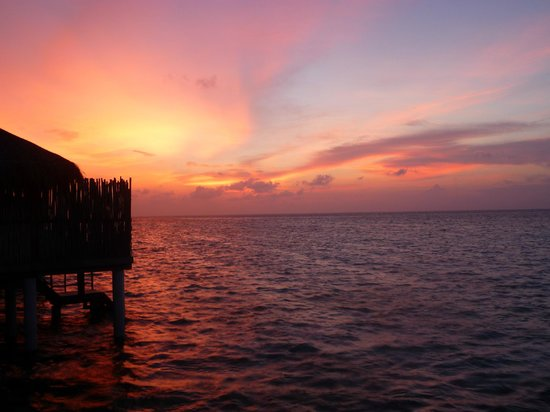 Constance Moofushi: Amazing sunset