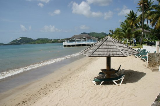 Sandals Halcyon Beach St. Lucia: the beach showing Kellys