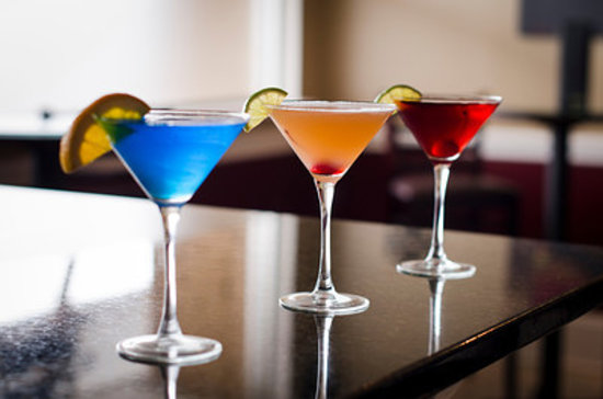 Orange, CT: Martini Anyone?