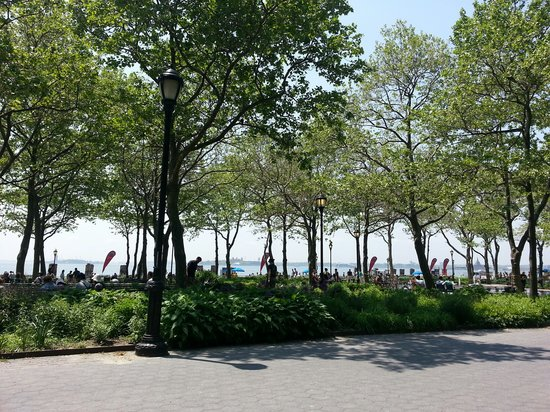difference between ray ban and ray ban p  battery park for a