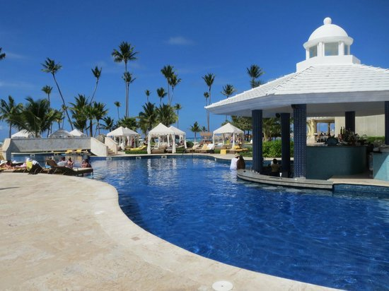 Iberostar Grand Bavaro Hotel: Swim up bar