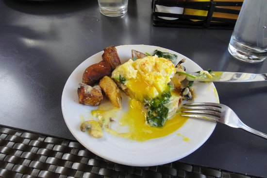 Outrigger Reef on the Beach: Eggs florentine from Kani Ka Pila.