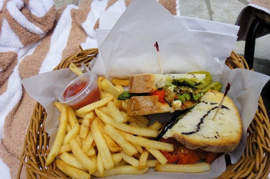 Outrigger Reef on the Beach: Grilled veggie sandwich from Kani Ka Pila.