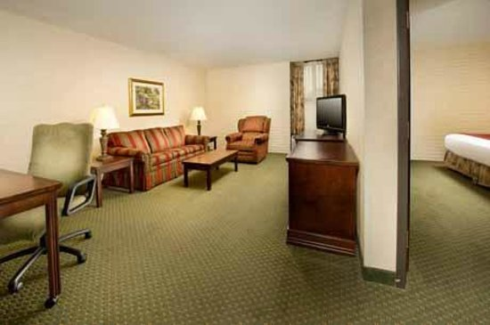 Greensboro, NC: Suite