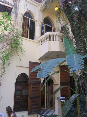 Riad Malika: Or suite from courtyuard floor