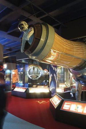 Hutchinson, KS: Mollett Early Spaceflight Gallery