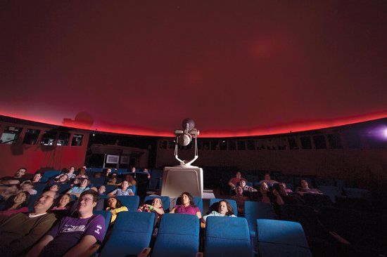 Hutchinson, KS: The Justice Planetarium