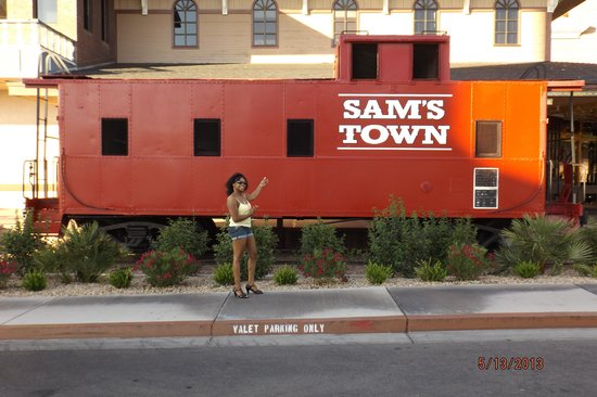 ‪‪Sam's Town Hotel and Gambling Hall‬: Me in front of the caboose at Sam's Town!‬