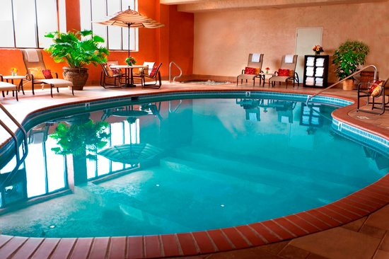 Embassy Suites Lubbock: Indoor Pool