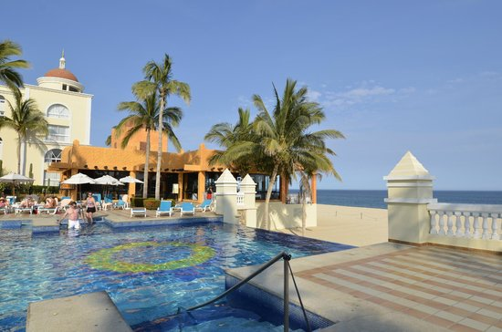 Riu Palace Cabo San Lucas: Activity side of pool