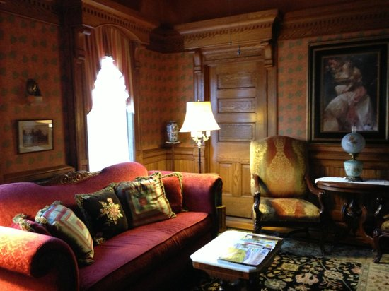 Cedar Crest Inn: Another Sitting Area