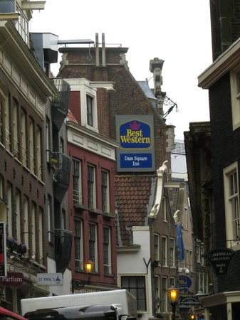 BEST WESTERN Dam Square Inn: Look for the sign at the top, as you may miss the entrance