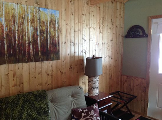 Talkeetna Chalet Bed & Breakfast: Inside Chalet