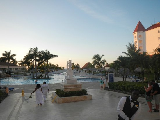 Grand Bahia Principe Jamaica: Pool View