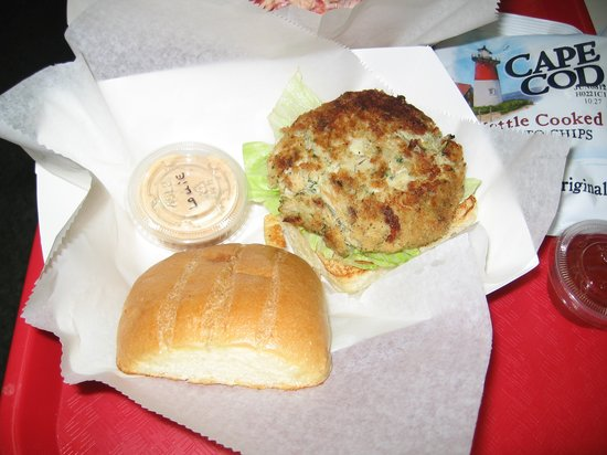 Jacksonville Beach, FL: Crab Cake served with a Pink Louie Sauce