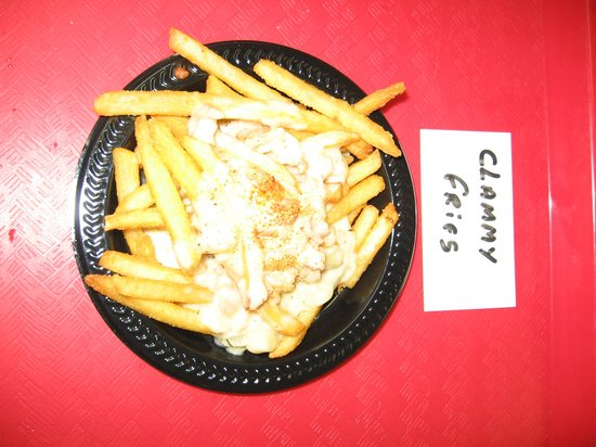 Jacksonville Beach, FL: Chef's Clammy Fries topped with his award winning Clam Chowdah and a Clams