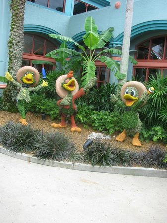 Disney's Coronado Springs Resort: outside decor