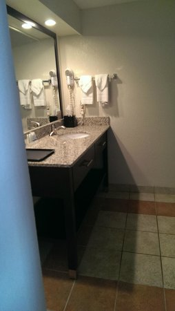 Cheektowaga, NY: large sink area