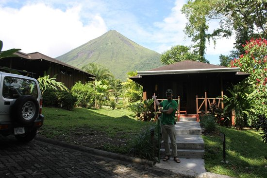 Hotel Lomas del Volcan : View of volcano from cottages