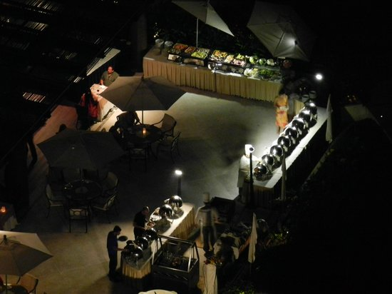 Now Amber Resort & Spa: Buffet at Night