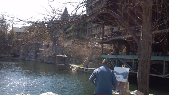 Mohonk Mountain House: A local artist makes his magic on the grounds of Mohonk