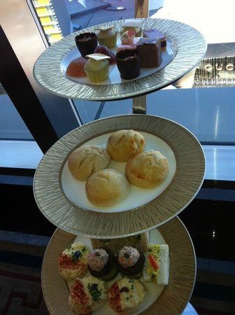 Mandarin Oriental, Las Vegas: Tea Lounge - 23rd floor - Afternoon tea (reserve early!)