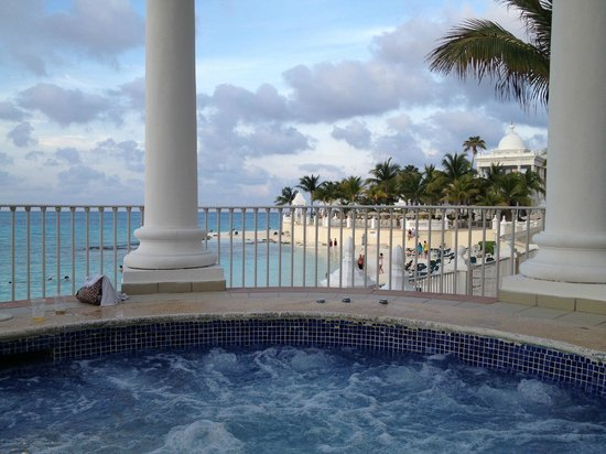 Riu Palace Las Americas: View from the hot tub