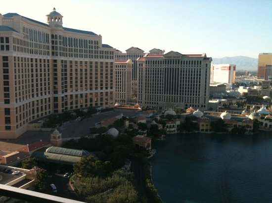 The Cosmopolitan of Las Vegas: Bellagio Fountains