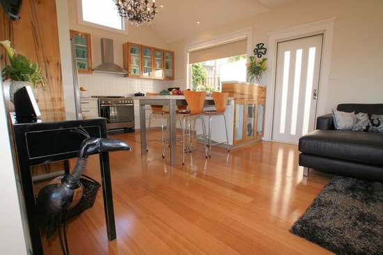 Launceston, Australien: View of kitchen