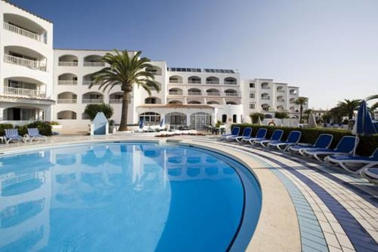 Photo of Hi! Marina Apartamentos Cala'n Bosch