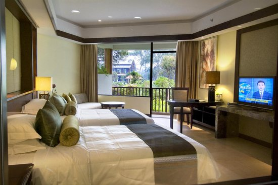 Yangshuo Resort: Riverview deluxe twin bed room