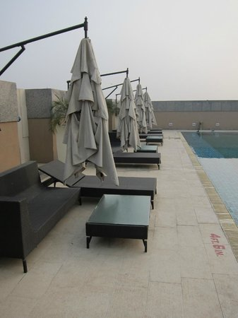 Svelte Hotel and Personal Suites: dawn