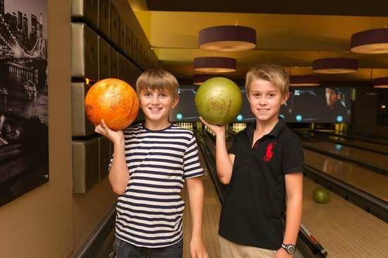 Tamworth, UK: Bowling for all