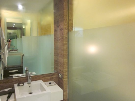 Residency Hotel Andheri: Bathroom
