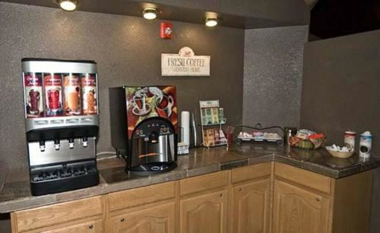 Eagle Lodge & Suites: Coffee Service