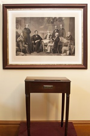 Auburn, NY: 1st edition engraving of the signing of the Emancipation Proclamation and Federal Hall Desk