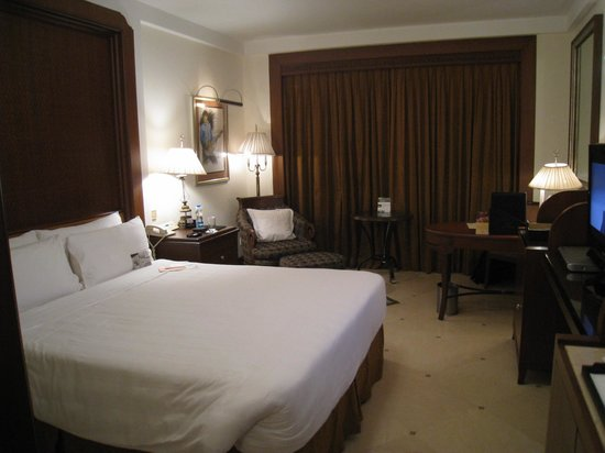 Sheraton Park Hotel & Towers: Bedroom